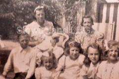 1940-evacuees-in-May-Wilden-garden-2