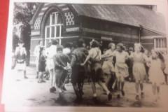 evacuees-playing-in-school-yard