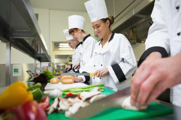 Restaurants Scramble Find Kitchen Workers Job Vacancies