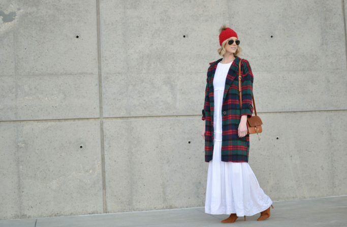 Oasap white boho maxi dress, fringe boots, chloe dupe bag, plaid coat, red beanie