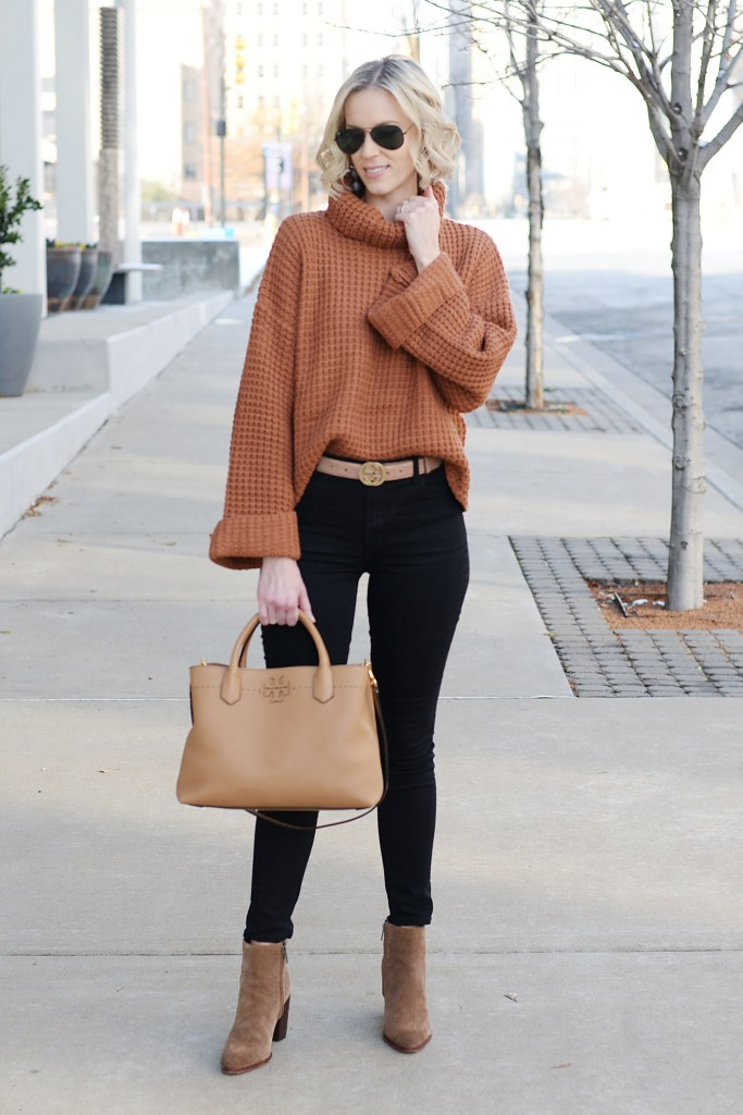 easy and cozy sweater and jeans look for winter