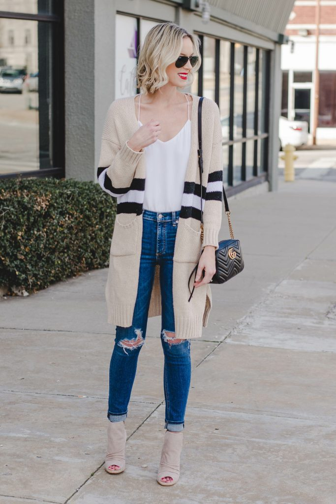 cardigan and jeans outfit