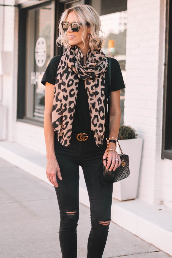 1a99f2537f8 How to Tie a Scarf in a Flattering Way - Straight A Style
