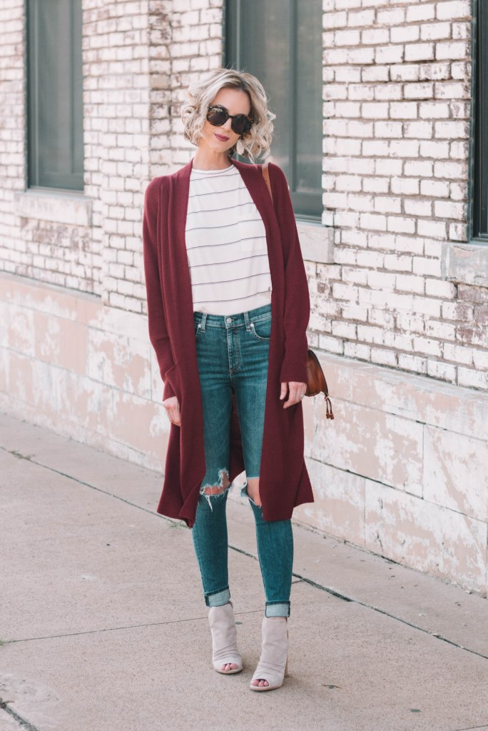 duster cardigan and t-shirt with jeans