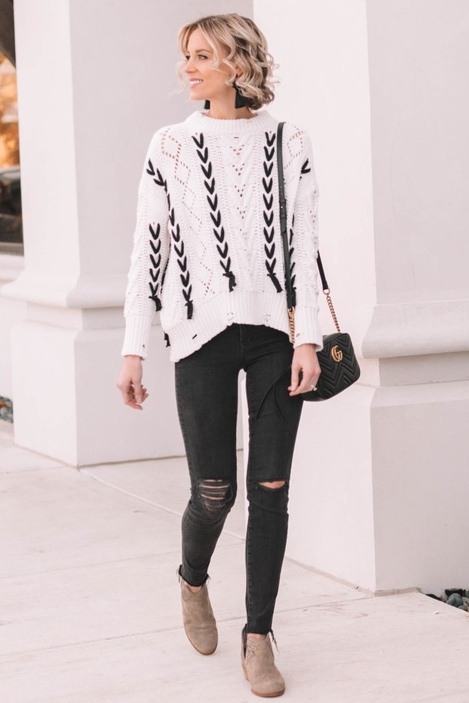 casual fall or winter outfit, black and white outfit