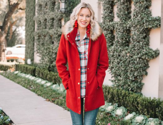 8ea7295fb99 4 Easy Casual Holiday Outfits to Wear Now