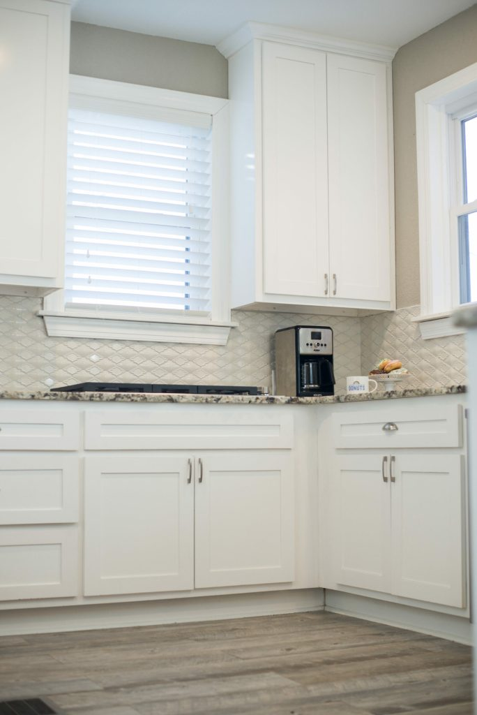 gorgeous all white kitchen backsplash update