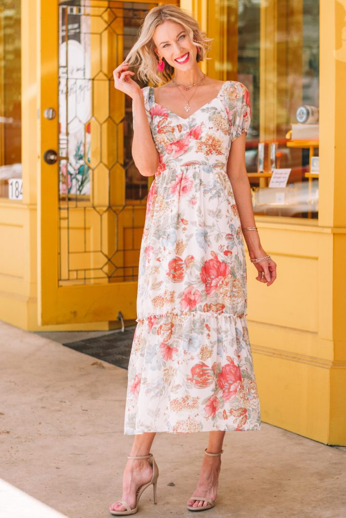gorgeous floral long dress for spring with pretty jewelry