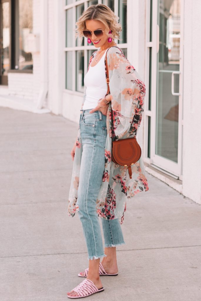 cropped jeans with flat sandals