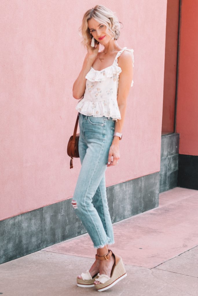 ruffle hem tank top with cropped jeans and wedges