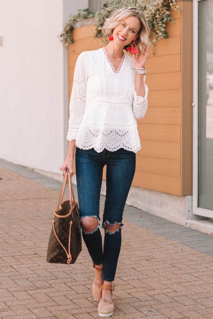 cute casual spring outfit, white eyelet top and skinny jeans