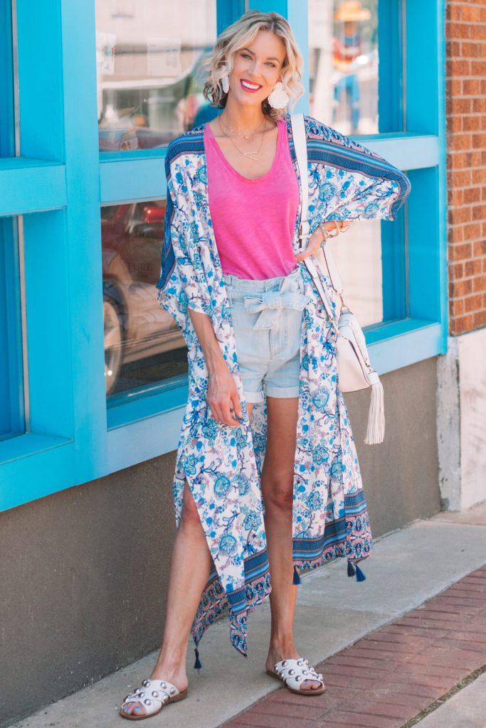 how to wear a kimono with shorts, printed amazon kimono