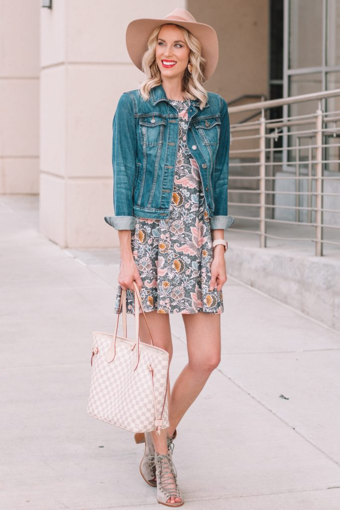 easy tips to make your outfit ready for fall, how to style your look for fall, swing dress with jean jacket, booties, and hat