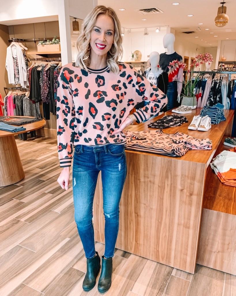 EVEREVE try on, leopard sweatshirt, jeans, Sorel boots