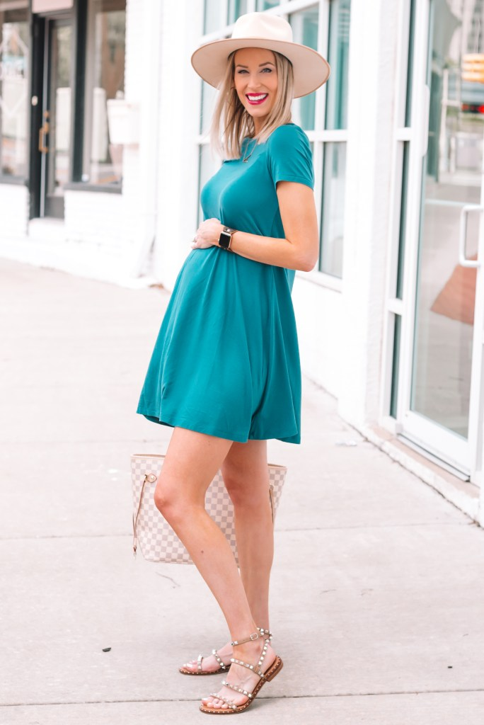 This comfy and affordable jersey swing dress makes the perfect easy summer outfit! It's non-maternity but also perfect for a bump.