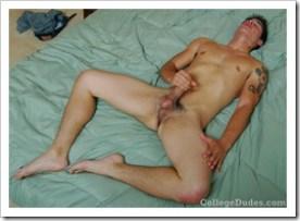 collegedudes247-tony-amado-busts-a-nut (11)