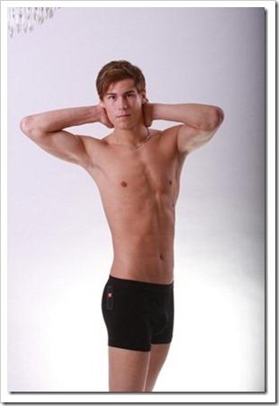 swedish male model andreas tano (207)_thumb