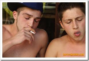 boys smoking - two heavy smokin young studs chainin and suckin (6)