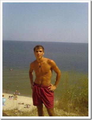 boys nude photos stolen from facebook (3)
