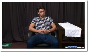 the casting room - hunky straight guy addicted to porn (2)