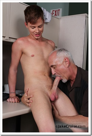 Kyler Ash Serviced by Jake (11)