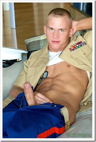 porn-army-gay-Fun-Size Marine Shawns Uniformed Solo (5)