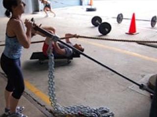 Russian barbell twist with chains