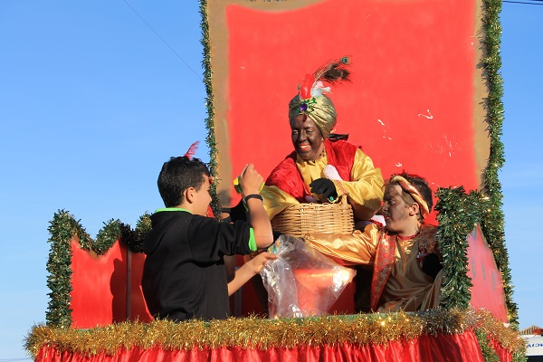 cabalgata-reyes-conil-colorado-2014-06