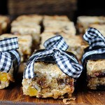Walnut, apricot and fig granola bars