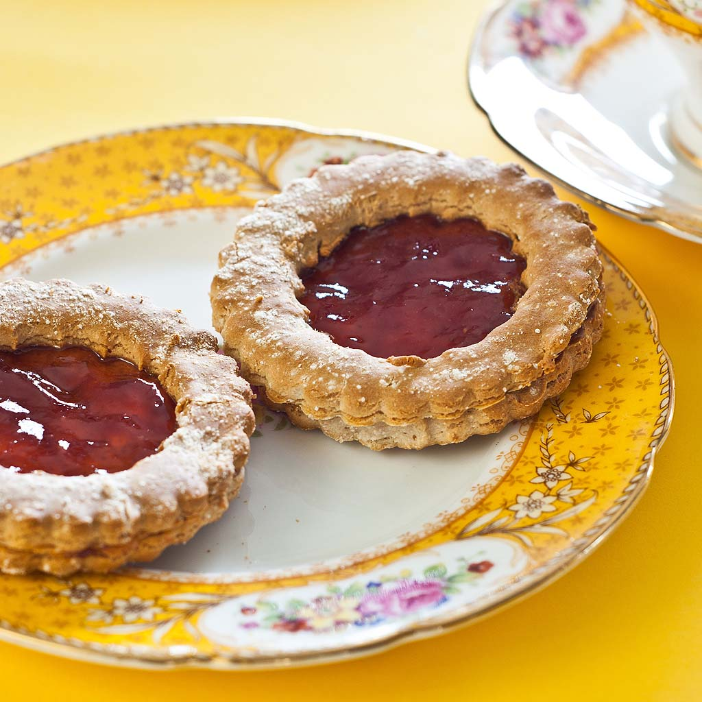 A gluten-free and low FODMAP recipe - jam Cookies