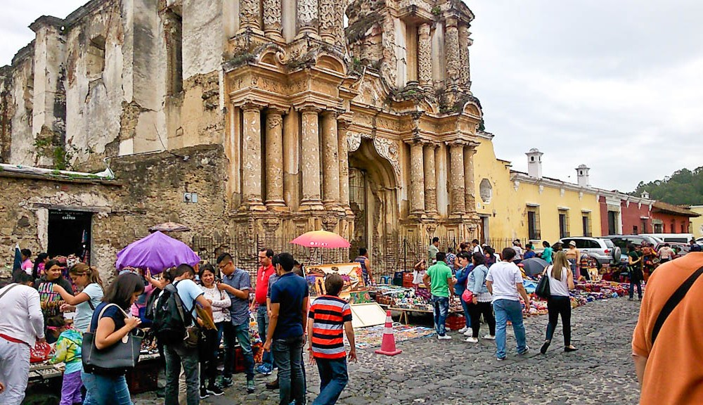 Guatemala – bright, peaceful and lots of onions
