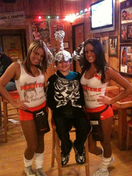 Kids Love Hooters  Strange Beaver