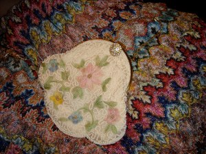 Small flowered purse with beading
