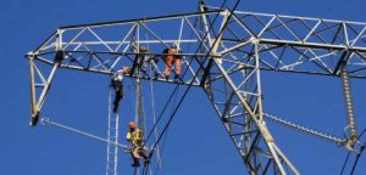 most-dangerous-jobs-powerline-worker