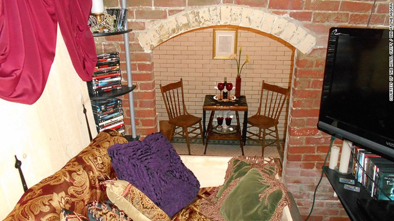 150730103722-crypt-3-living-area-exlarge-169