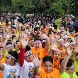 800 bambini scatenati con la Stranormannina!
