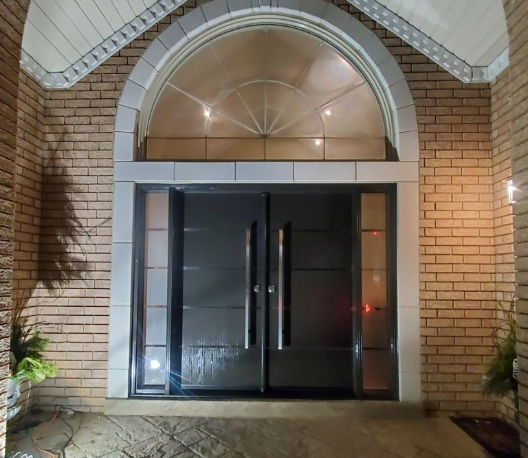 Fiberglass and Steel Door Installation and Replacement, Vinyl Windows Woodbridge, Maple, Vaughan, King, Aurora, Nemwarket, Caledon, Nobleton, Kleinburg - After
