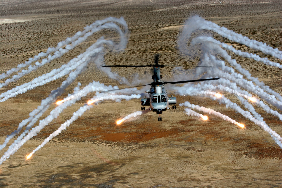 Black Hawk Helicopter Wallpapers Hd Military Photos Ch 46e Sea Knight Countermeasure Test
