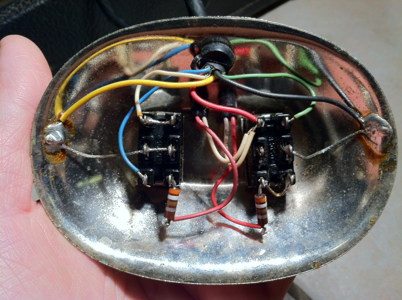 Looking To Build A 2 Button Vibrato Reverb Footswitch