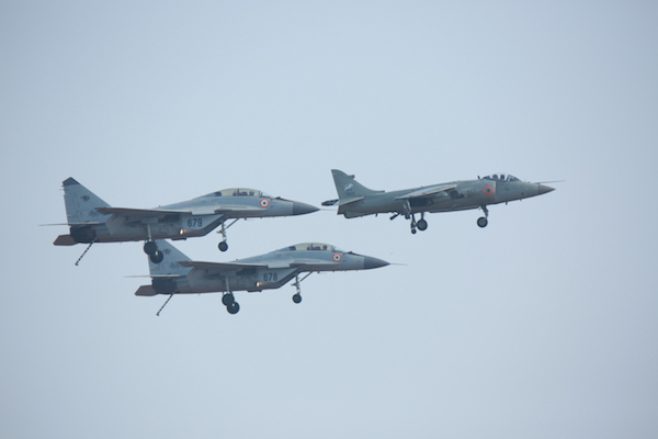 Indian Navy Sea Harrier escorted by MiG-29KUB aircraft | Photo: StratPost
