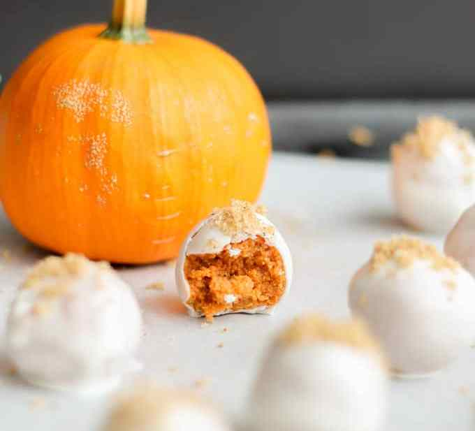 These 4 ingredient Pumpkin Spice Truffles combine all your favorite autumn flavors in one bite. These creamy, dreamy truffles are a fall flavor bomb in your mouth!