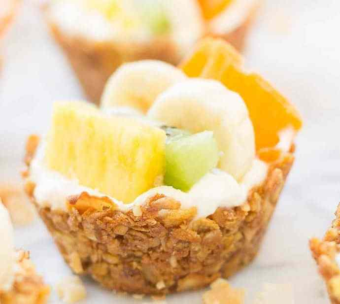 Head to the islands with these Tropical Granola Cups. These cups are made with Honey Bunches of Oats® cereal, bananas, oatmeal and coconut. Then filled with yogurt and delicious tropical fruits. You'll feel like you're on an island oasis every morning!   Strawberry Blondie Kitchen