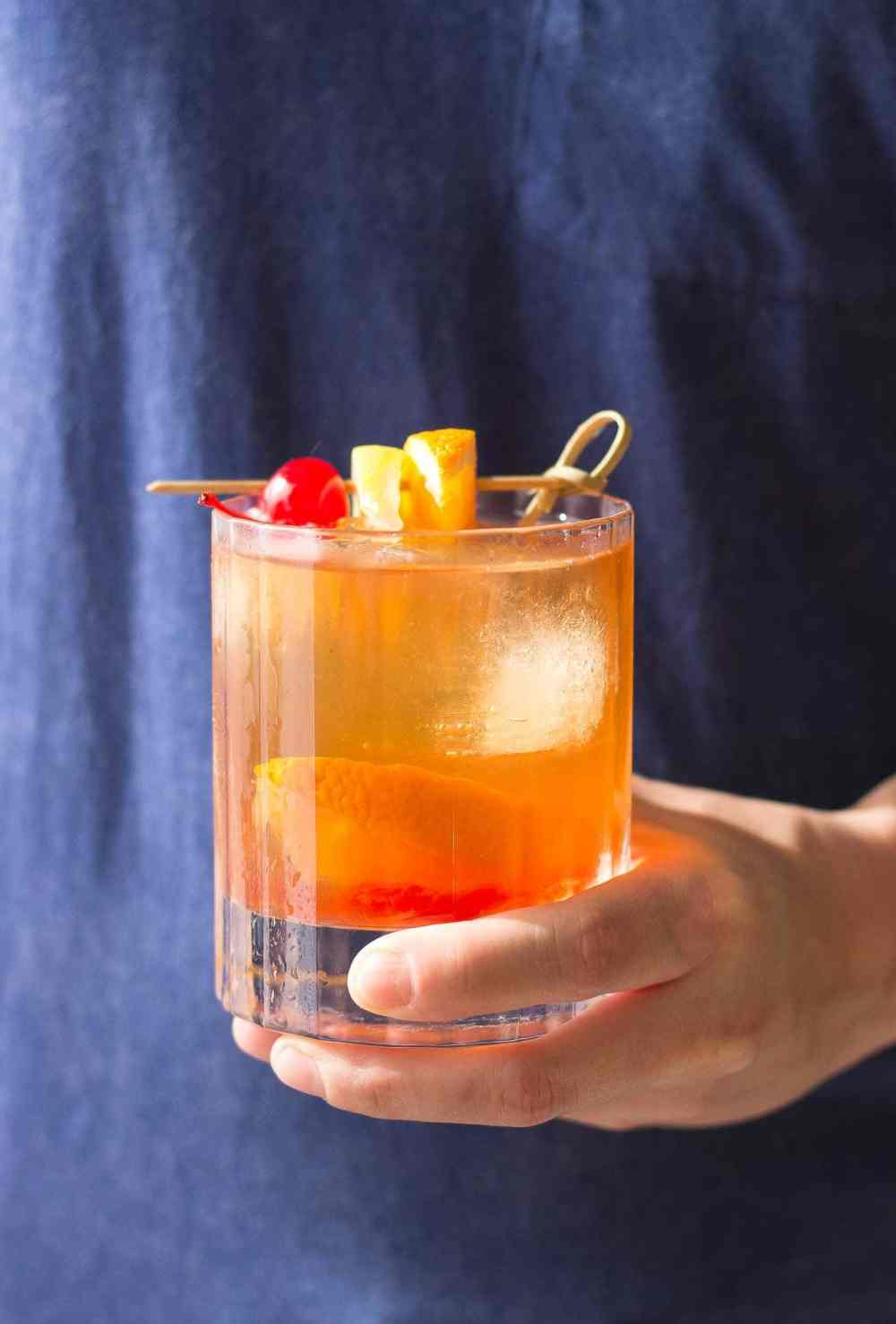 A spin on the traditional old fashioned, the addition of black walnut bitters draws out the warm, spicy flavors of the bourbon for a classy, sophisticated cocktail. | Strawberry Blondie Kitchen