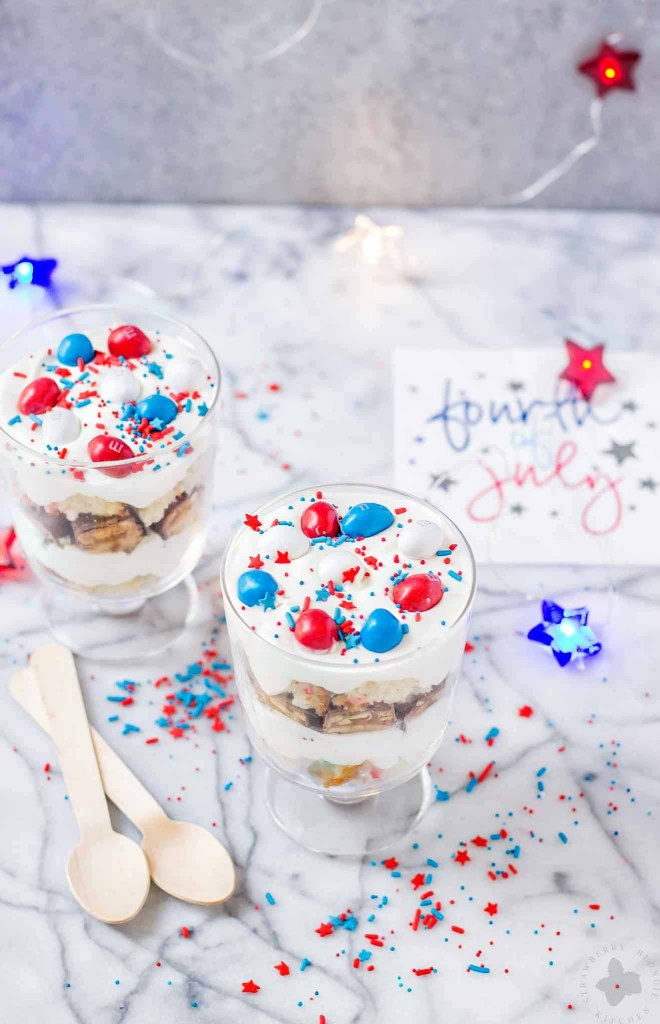 Layers of Pillsbury™ Funfetti® Cake, Frosting, Snickers and M&M's make these Patriotic Mini Trifles the best way to spread your love of Red, White and Blue! | Strawberry Blondie Kitchen