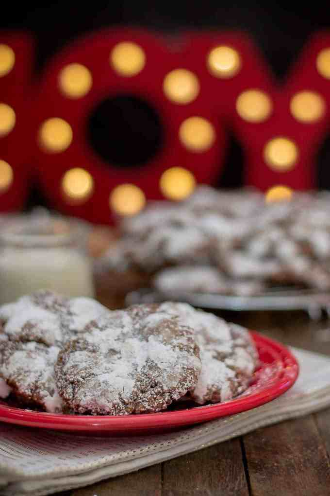 Peppermint Crinkle Cookies are delicious, chocolaty, minty bites of cookies suitable for the big guy himself! | Strawberry Blondie Kitchen