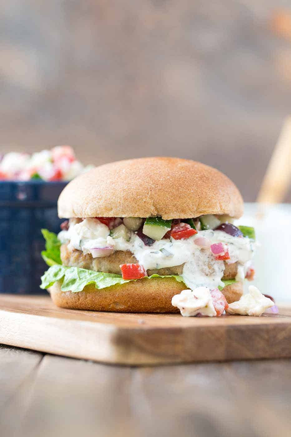 foto Spiced Mini Burgers with Cucumber Relish
