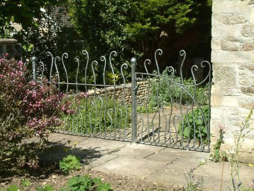 gate -railings