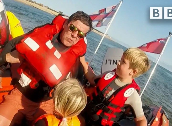Racing against time to save a family stranded at sea 😲 BBC