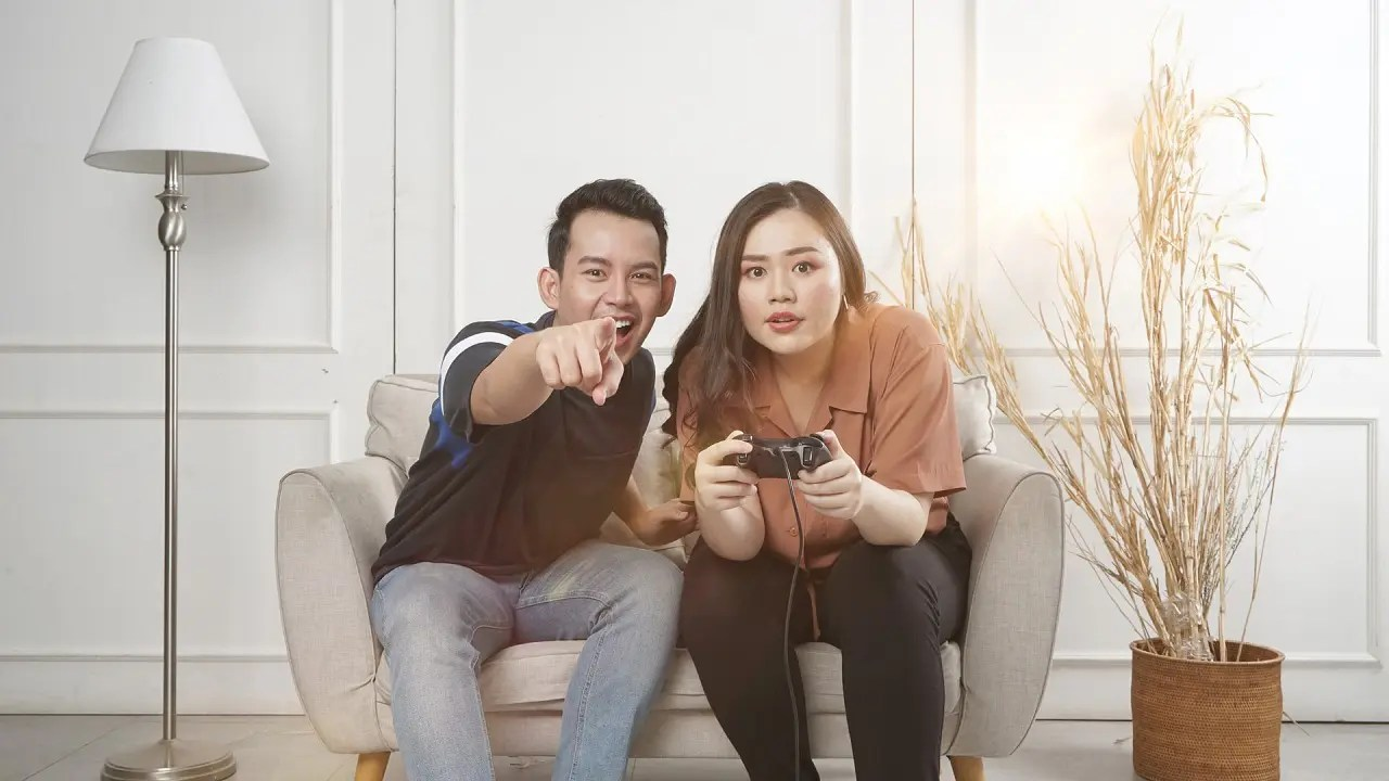 couples playing game image