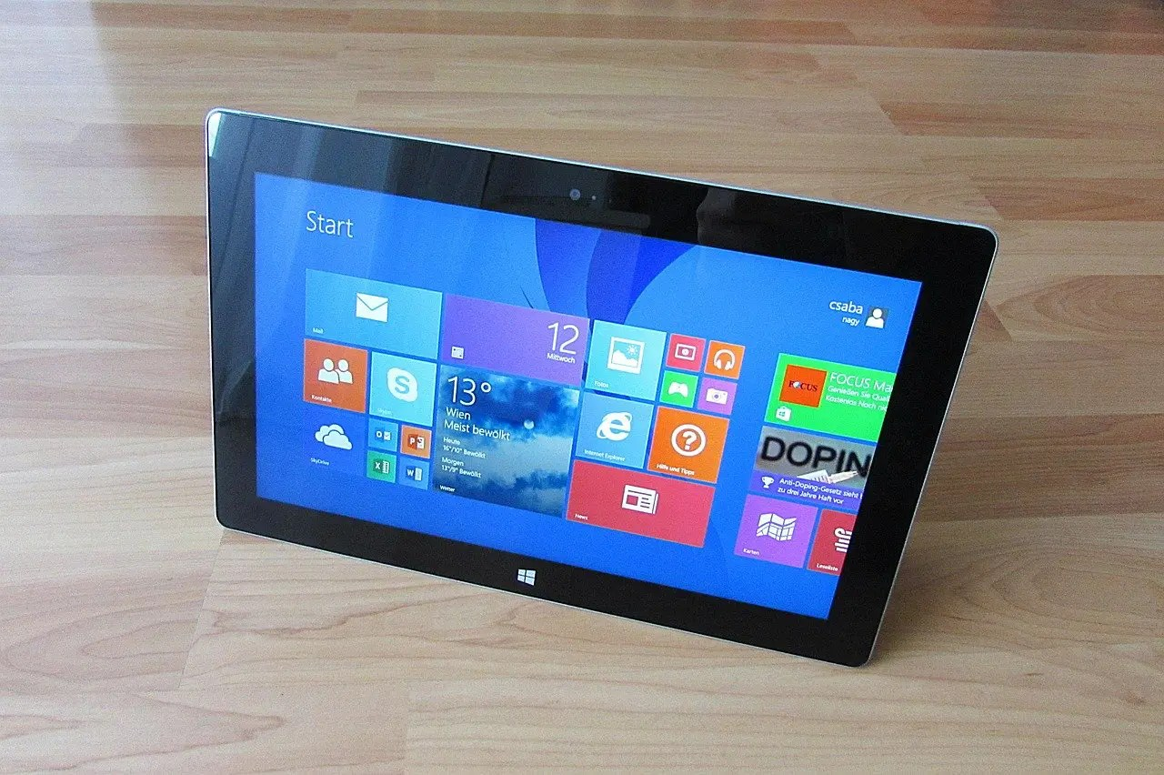 windows 8 laptop image